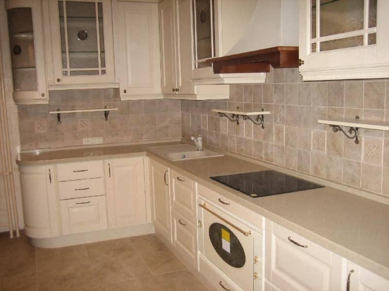 Кухонный гарнитур искусственный камень