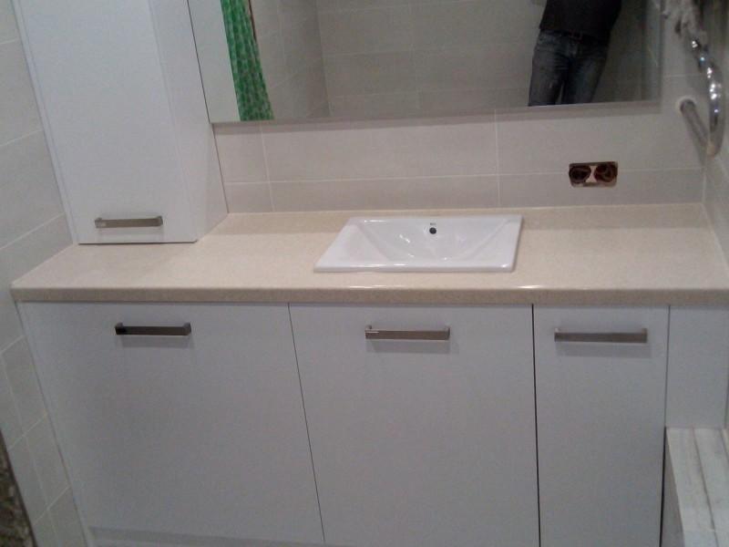 Каменная столешница с раковиной для ванной недорого osmo столешница